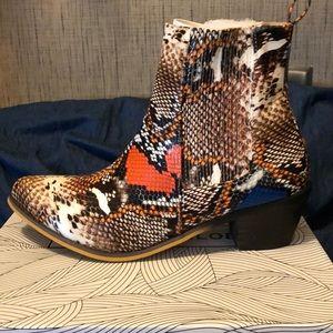 NIB CHASE + CHLOE boots